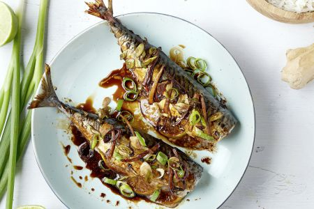 Oosterse makreel uit de oven met rijst