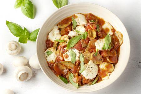Vegetarische one pot lasagne met zongedroogde tomaten en mozzarella