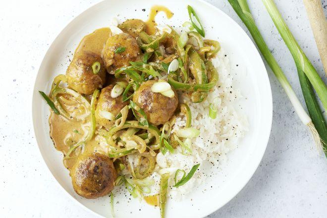 Thaise curry met kippenballetjes