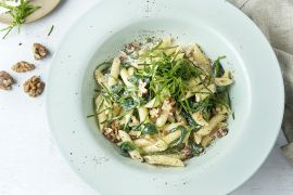 Foto van Penne met roquefortsaus, walnoten en spinazie