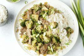 Foto van Gewokte sticky runderreepjes met broccoli en rijst