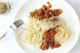 Foto van Linguine met rolletjes van kip en courgette