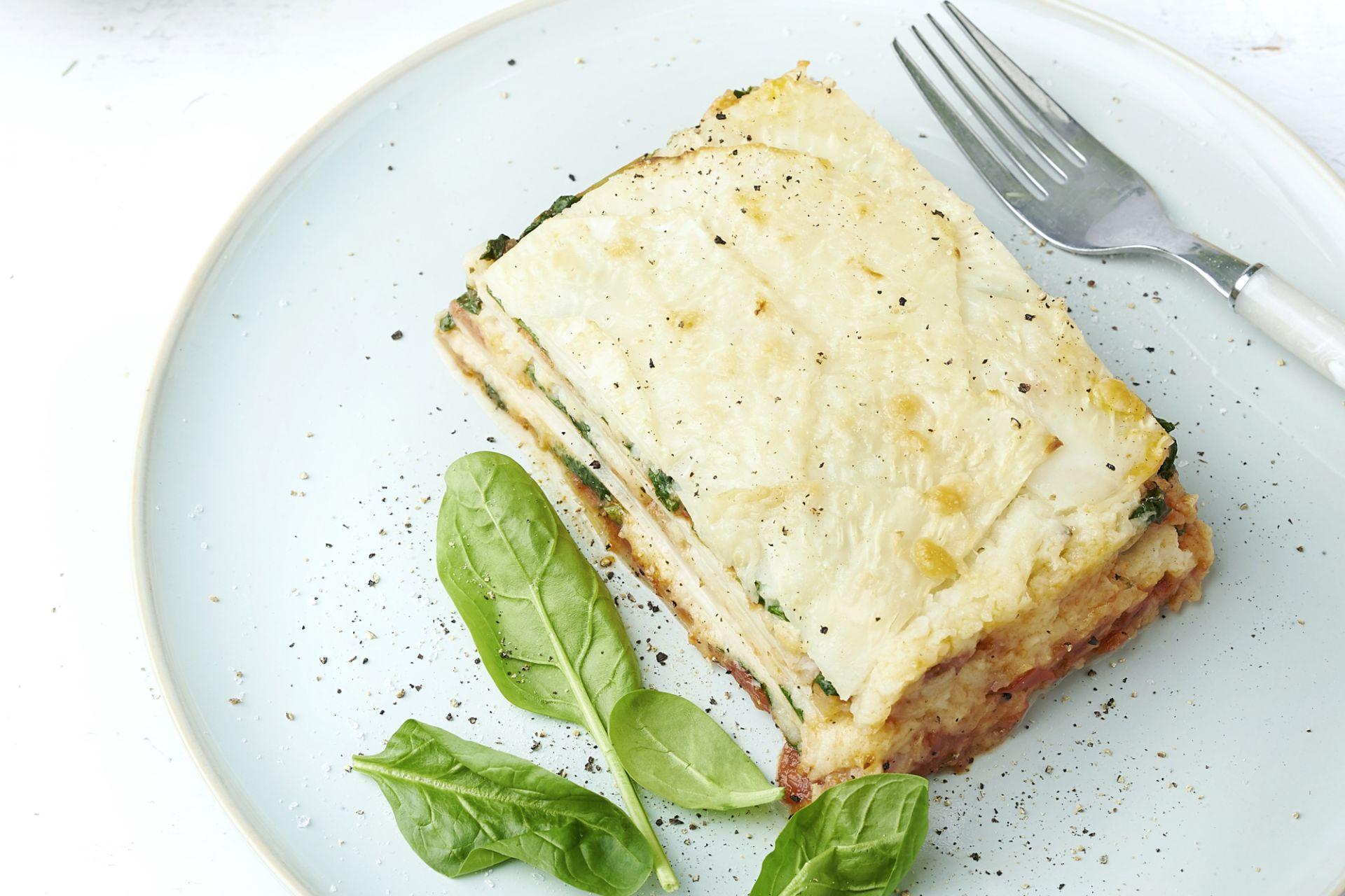 Lasagne van knolselder met spinazie en geitenkaas