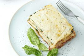 Foto van Lasagne van knolselder met spinazie en geitenkaas