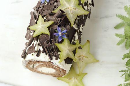 Chocolade kerststronk met roomkaasvulling