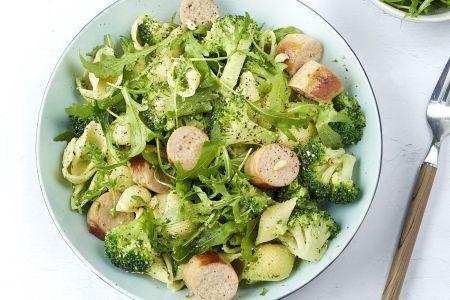 Conchiglie met rucolapesto, broccoli en kalkoenworst