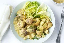 Foto van Gehaktballetjes met geroosterde aardappelen en blackwellsaus