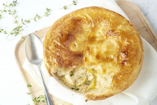 Engelse 'pie' met prei, bloemkool en mosterd
