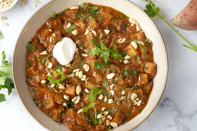 Curry stoofpotje van aubergine en zoete aardappel