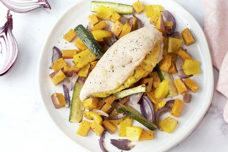 Gevulde kipfilet met groenten uit de oven