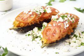 Foto van Gevulde aubergine met rijst en tomaat