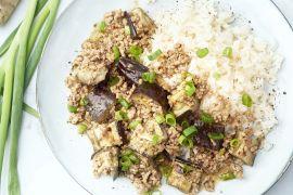 Foto van Chinese roerbak 'mapo' met aubergine en gehakt