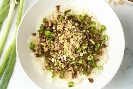 Indonesische snijbonen met gehakt, pinda's en rijst