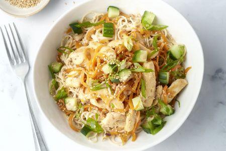 Sesam noodle bowls