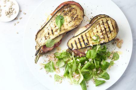 Croques van aubergine met kaas en ham