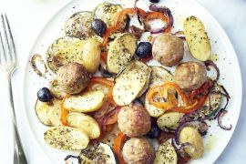 Foto van Zuiderse geroosterde groenten met gehaktballetjes