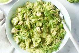 Foto van Risotto van orzo met kip, broccoli en rucolapesto