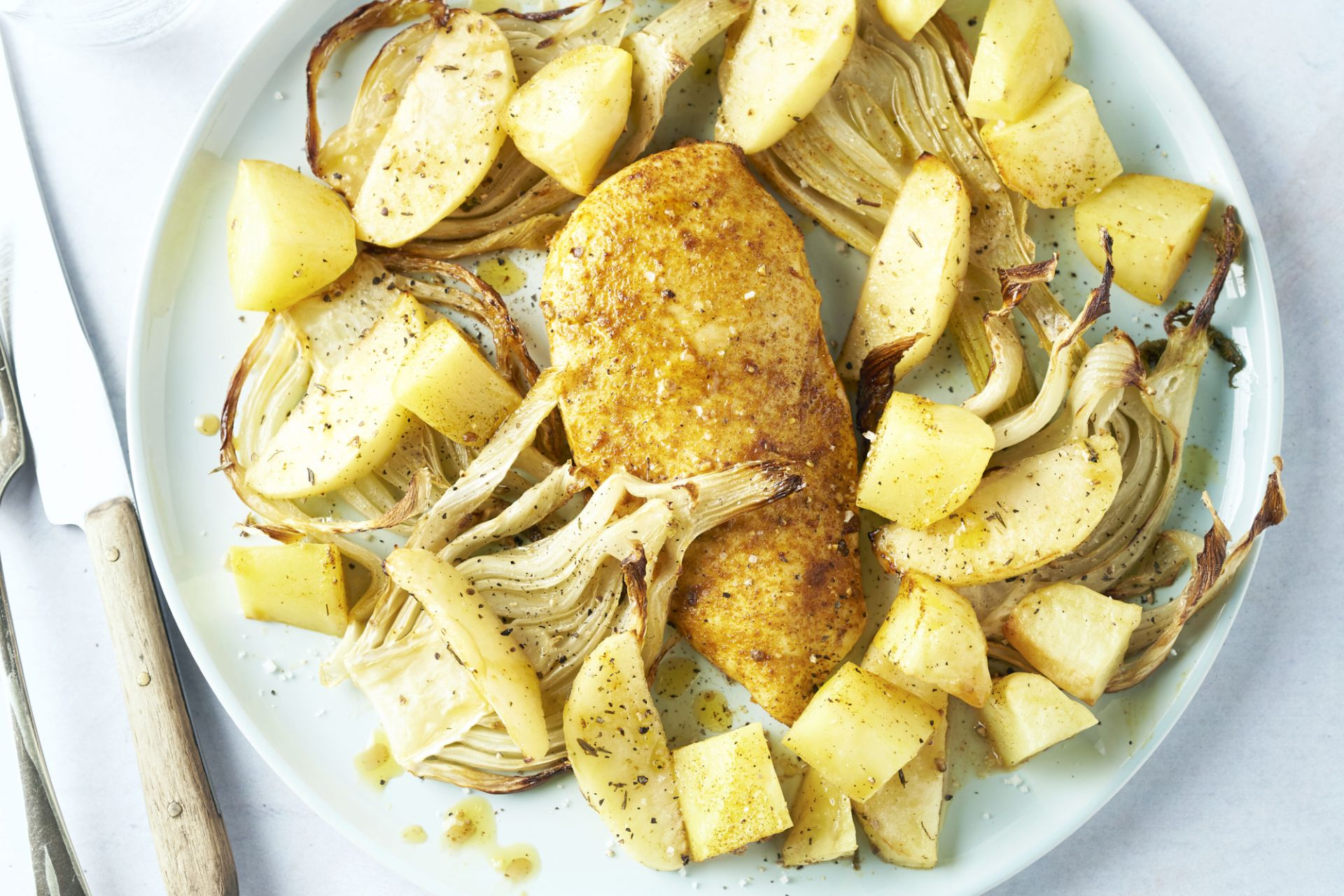Ovengeroosterde kipfilet met appel en venkel