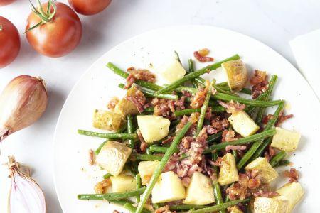 Sperziebonen met spek, tomaat en geroosterde aardappelen