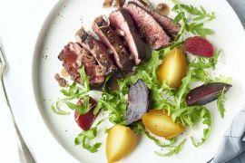 Foto van Gepofte bietjes met steak en sjalottensaus