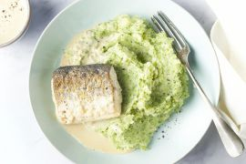 Foto van Heek met broccolipuree en wittewijnsaus