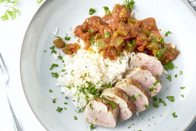 Varkenshaasje met paprikasaus en rijst