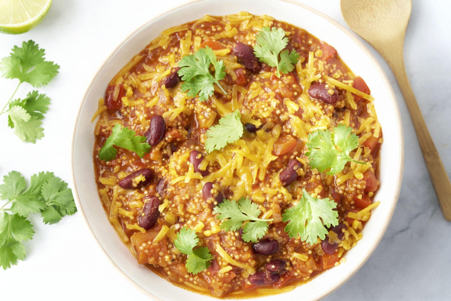 Snelle éénpans chili sin carne met quinoa