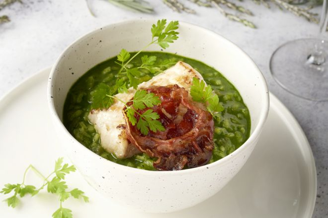 Zeeduivel met risotto in het groen