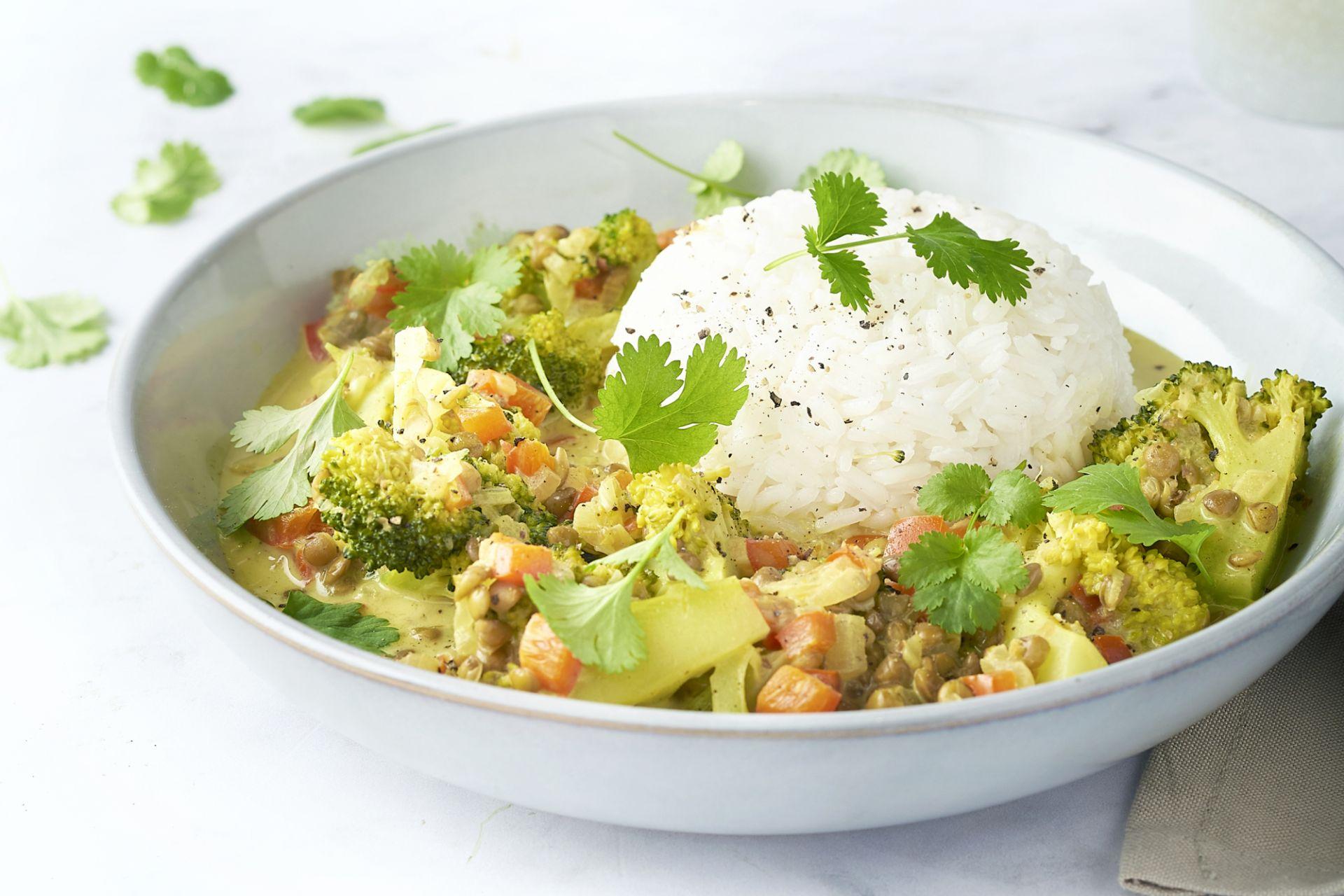 Groentecurry met linzen en rijst