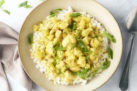Foto van Curry met kip en ananas