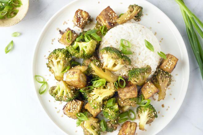 Tofu teriyaki met broccoli en rijst