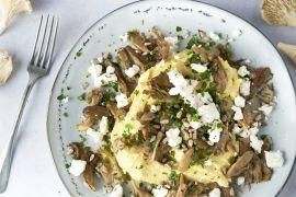 Foto van Parmezaanpuree met gebakken oesterzwammen en geitenkaas