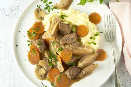 Snelle boeuf Bourgignon met aardappelpuree