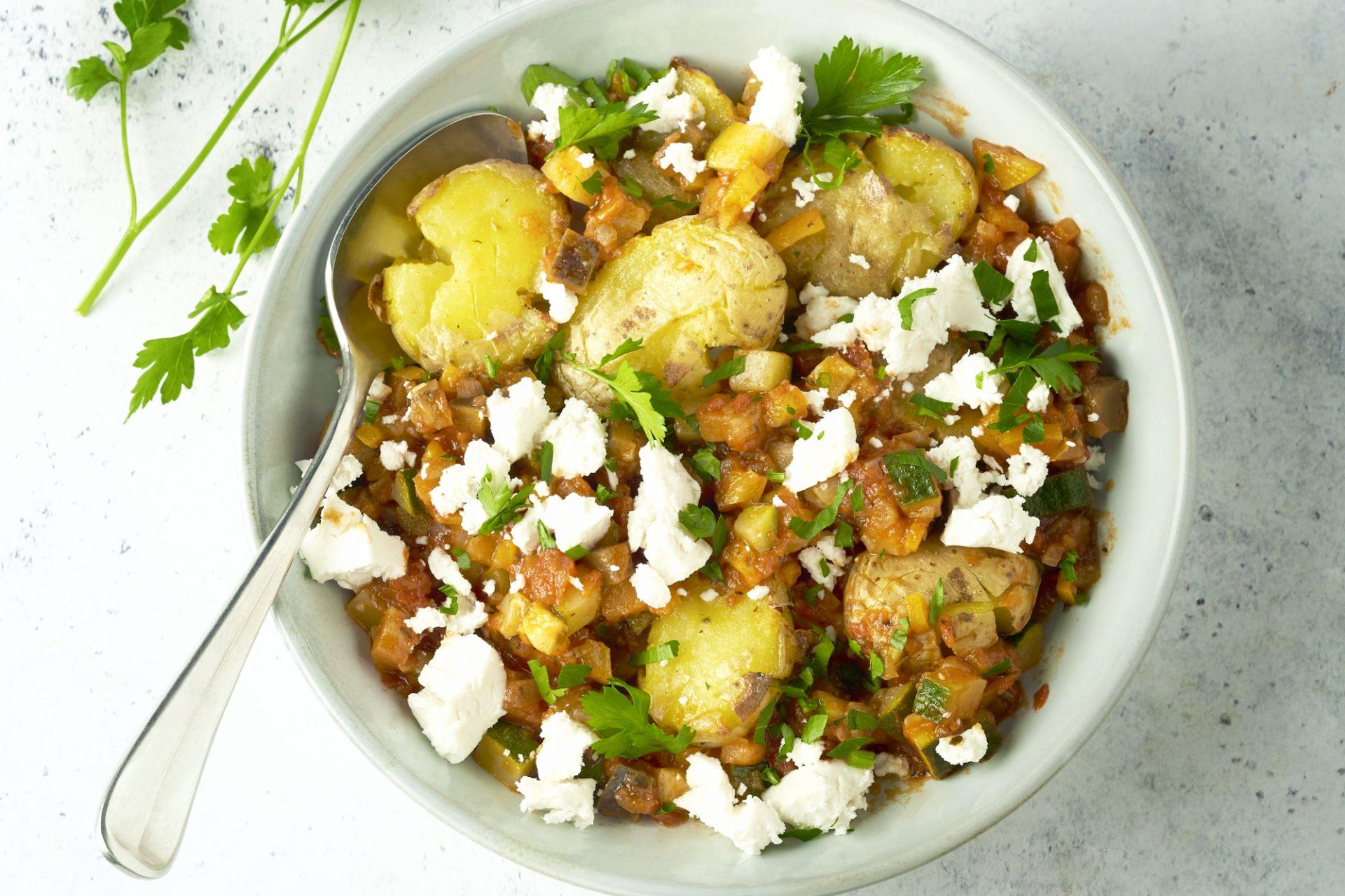 Geplette aardappelen met ratatouille en geitenkaas
