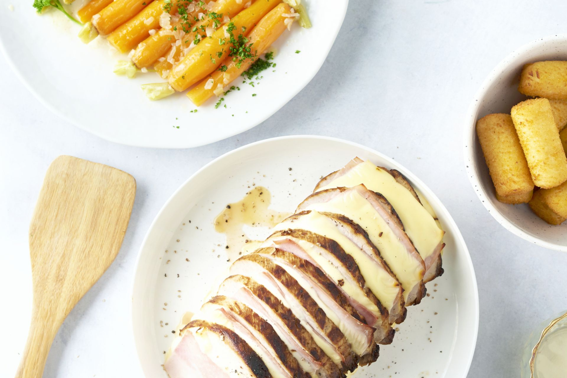 Orloffgebraad met worteltjes en kroketten