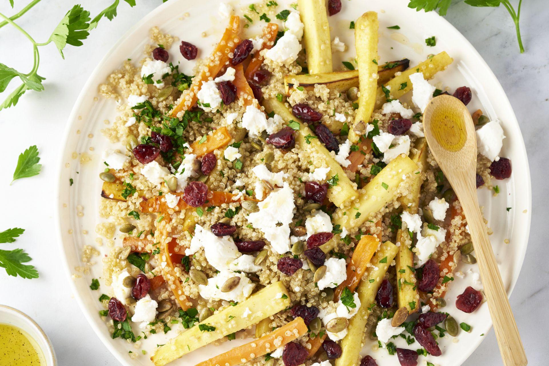 Quinoa met honing geroosterde groenten, geitenkaas en pompoenpitten