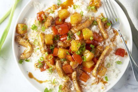 Krokant varkensvlees in zoetzure saus met rijst