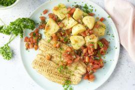 Foto van Tongschar met tomaat-kappertjesvinaigrette en gebakken aardappelen