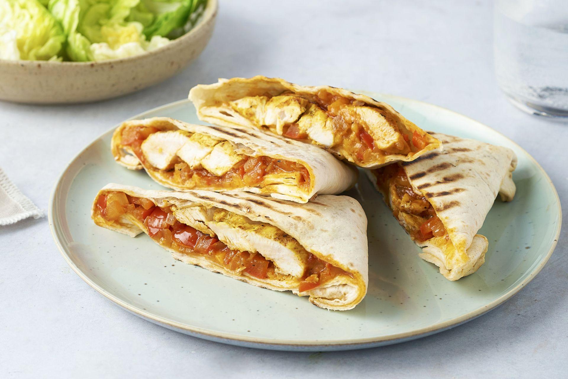 Barbecue burrito's met gemarineerde kip