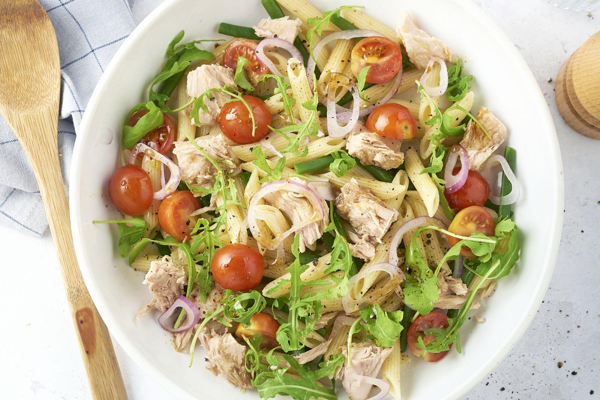 Pastasalade met tonijn en sperzieboontjes