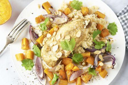 Marokkaanse geroosterde kip en wortelen uit de oven met couscous