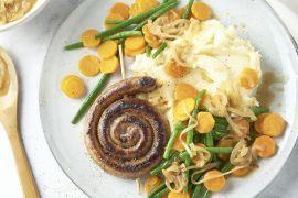 Foto van Bangers & mash met boontjes en wortelen