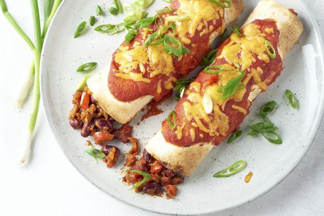 Chili con carne enchiladas