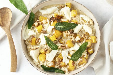 Pompoenrisotto met walnoten, mozzarella en salie