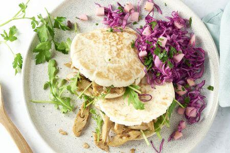 Pita met veggie shoarma en rodekoolsla