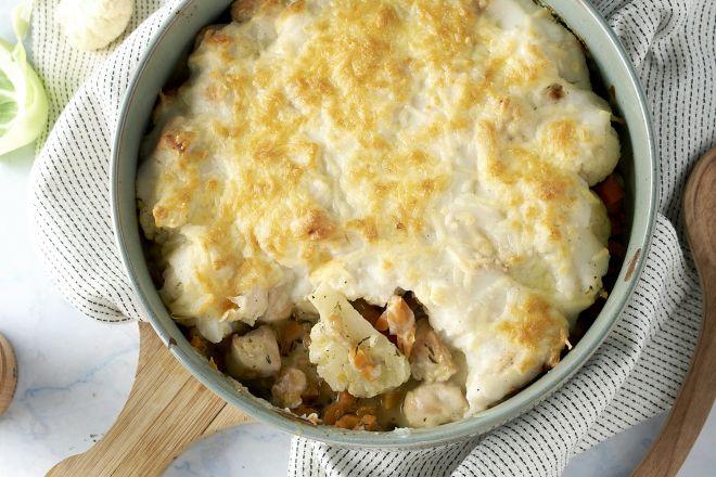 Ovenschotel met kip, wortel en bloemkool