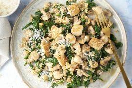 Foto van Risotto van zilvervliesrijst met kip, champignons en spinazie