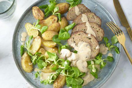 Gehaktbrood met krieltjes en champignonroomsaus