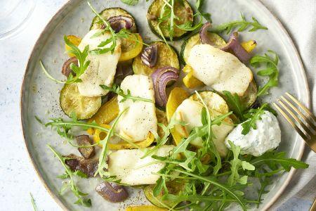 Grillkaas met geroosterde groenten en yoghurtdressing