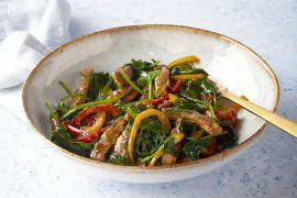 Foto van Gewokte runderreepjes met paprika en spinazie